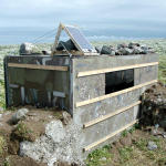 Puffin-watcher's hut on top of Lagey